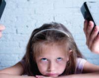 ¿Se puede criar a los hijos a distancia?
