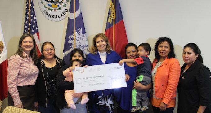 Entregan fondos para programas educativos que benefician a mexicanos