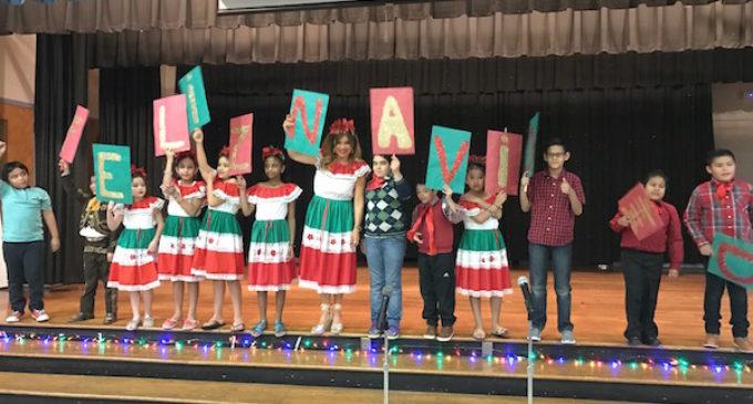 Celebración de Navidad en escuela de Cary