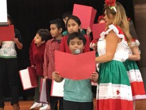 Los niños leyeron poemas/Paola Jaramillo