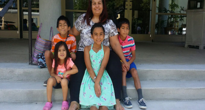 Abuela busca ayuda para recuperar la custodia de sus nietos