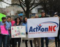 Abogan por los derechos de los inmigrantes en desfile de Martin Luther King