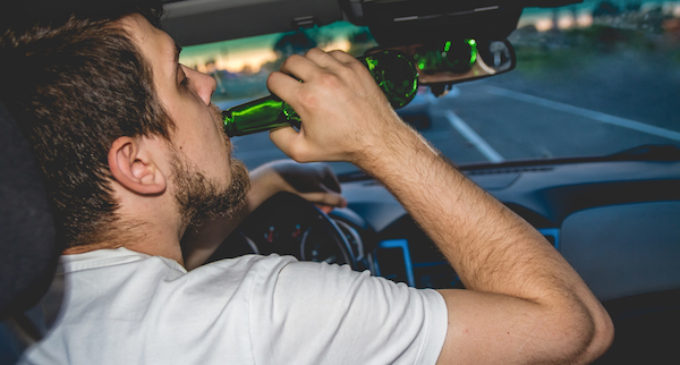 Cae número de conductores latinos que murieron en accidentes relacionados con el alcohol