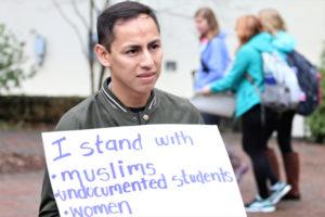 Emanuel Mejía, estudiante de Biología dice que el mensaje de Trump hacia los inmigrantes ha sembrado miedo en su familia/Cortesía