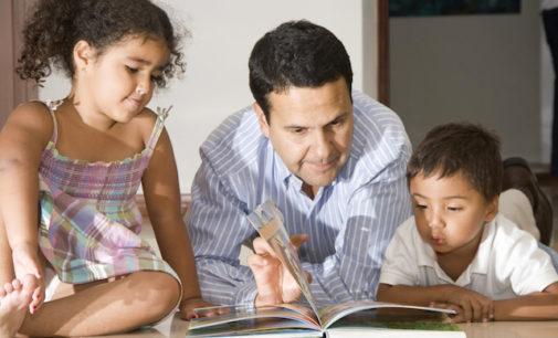 Ofrecen programa de lectura para niños en español en Hendersonville
