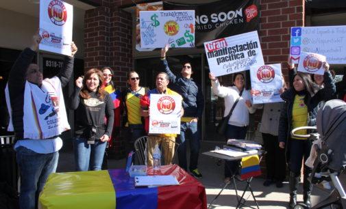 Colombianos protestan por aumento en el costo de los trámites consulares