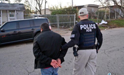 Estimados agentes de inmigración: ustedes no son robots, por favor usen su criterio