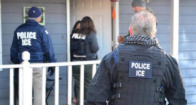 ¿Qué pueden hacer los inmigrantes en riesgo de deportación?