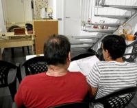 """Grupo de ayuda a alcohólicos comienza de """"cero"""" tras operativos migratorios en Charlotte"""