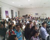 Cónsul salvadoreño hace un llamado a la calma a sus compatriotas durante visita a Charlotte