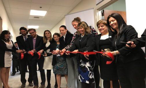 Inauguran en Consulado de México un Centro de Defensoría