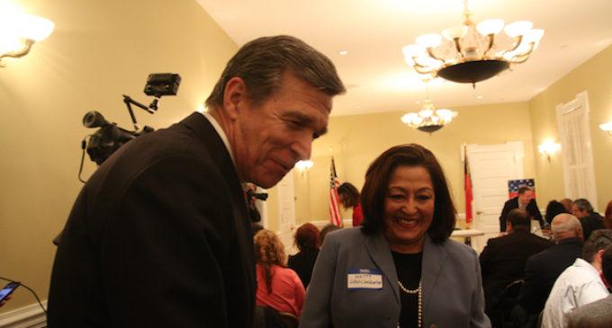 Nombran a latina en alto cargo de la gobernación estatal
