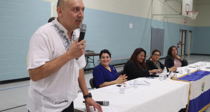 Salvadoreños se informaron sobre sus derechos en cabildo abierto
