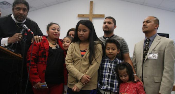 Piden a legisladores parar deportación de madre guatemalteca embarazada