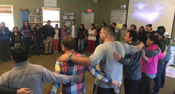 Organizaciones se unen para ayudar a los inmigrantes de las montañas