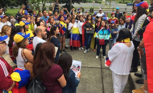 """Venezolanos en Charlotte llaman a segunda protesta """"No más dictadura"""""""