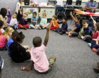 Ley obligaría a distritos escolares a despedir maestros y reducir el tamaño de las clases