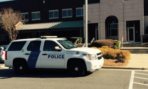 Preocupa aumento de arrestos de indocumentados en las oficinas del Inmigración de Charlotte