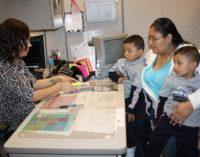 Menos latinos solicitan programas de ayuda del gobierno en Wake durante el 2017