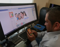 Inmigrante crea aplicación para alertar sobre redadas, detenciones y retenes de tránsito