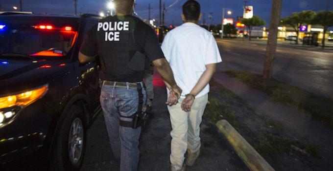 Sube 500 % arrestos de inmigrantes sin antecedentes criminales en las Carolinas y Georgia