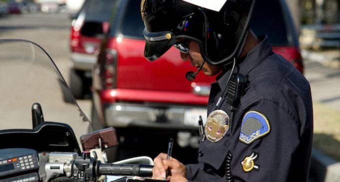 Disminuyen paradas de tránsito policiales contra conductores latinos en principales ciudades de Carolina del Norte