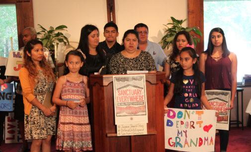 Sigue la lucha para detener la deportación de madre guatemalteca refugiada en iglesia