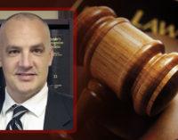 Abogada se encargará de entregar archivos de los casos de Christopher Greene
