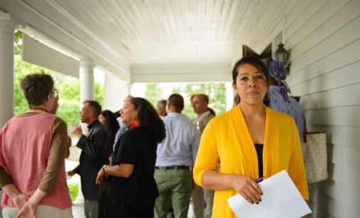 Comunidad firma petición para detener la deportación de madre mexicana