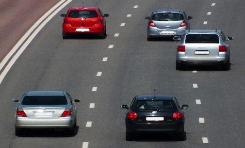 Buscan multar a conductores que manejen lentamente por carril izquierdo