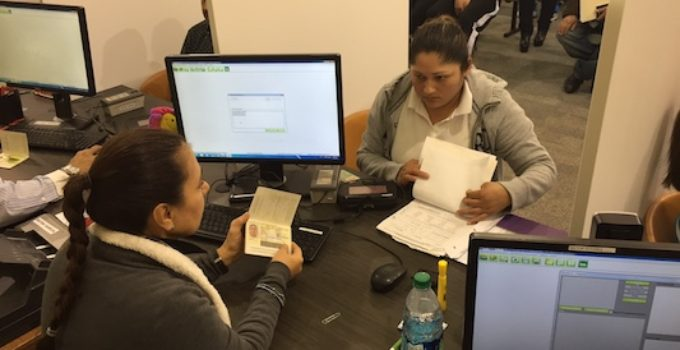 """Consulado de México alerta sobre estafadores que """"venden"""" cupos para citas consulares"""
