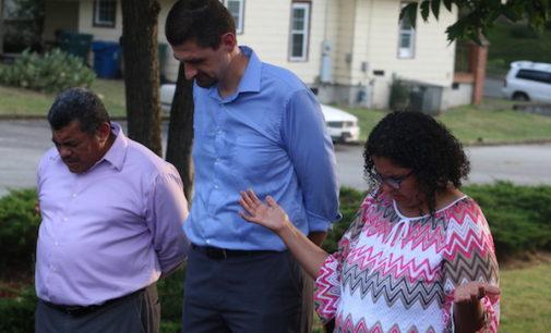 Comisión de Relaciones Humanas de Durham pide a ICE que reconsidere deportación de pastor salvadoreño