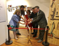 Exposición resalta contribución de inmigrantes a la industria de servicios y alimentos