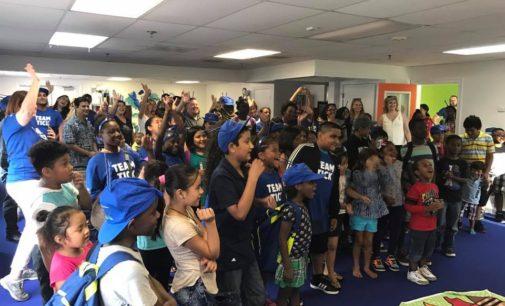 Organización que brinda educación después de la escuela a inmigrantes y refugiados estrena sede