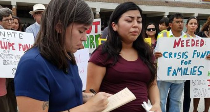 Protestan contra arrestos de Inmigración en el área de Greensboro
