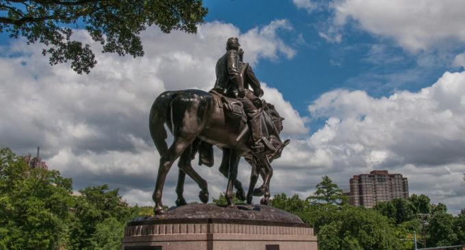 ¿Qué tan malo es tener monumentos en honor a los confederados?