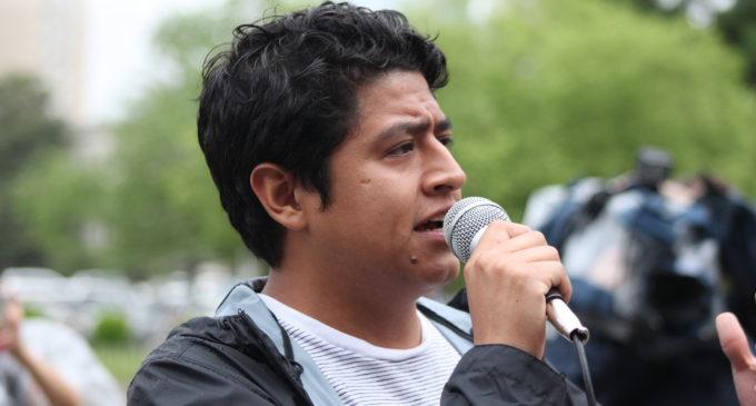 """Soñador y líder comunitario demuestra que """"sin miedo"""" se puede llegar lejos"""