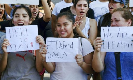 "Organizaciones se unen para ayudar a  ""soñadores"" a renovar DACA"
