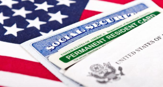 Gobierno federal establece nuevos requisitos para obtener la residencia permanente