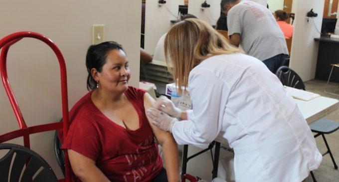 Ofrecerán vacunas contra la gripe gratis o a bajo costo