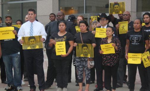 Piden a la Ciudad hacer justicia en caso de latino muerto a manos de la policía