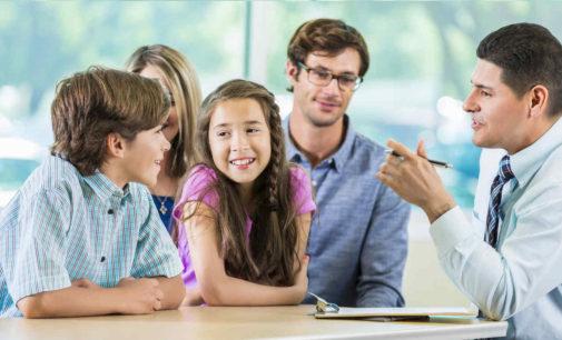 Ofrecen clases a latinos para ser mejores padres
