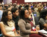 Invitan a feria de planeación universitaria para estudiantes y padres latinos