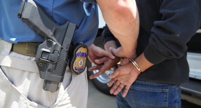 Arrestos de ICE en las Carolinas aumentaron 40 % en un año