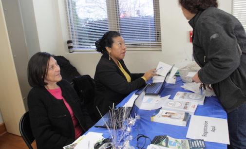 Invitan a participar en período de reinscripción a planes de seguros de salud