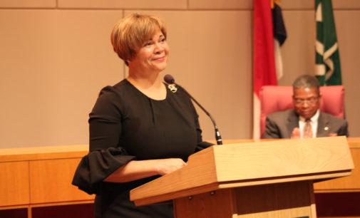 Alcaldesa dice que luchará para que Charlotte sea una ciudad acogedora para los inmigrantes