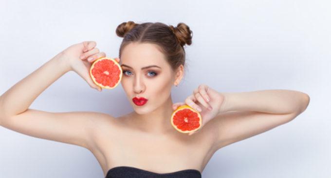 Frutas tropicales hidratantes para una piel espectacular
