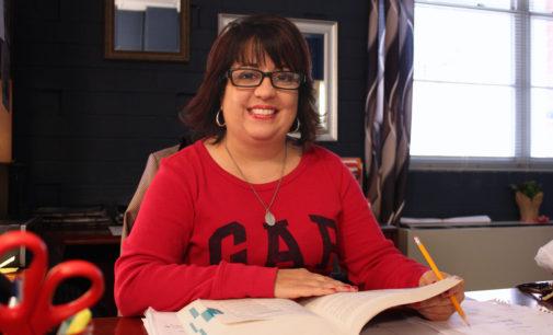 Programa de español comenzó con éxito en dos escuelas del CMS