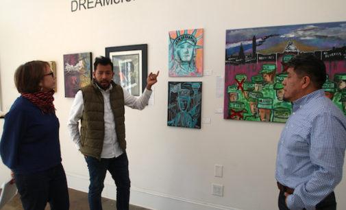 Inauguran exposición para resaltar aportes de soñadores