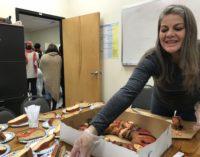 Con chocolate caliente y rosca celebraron el Día de Reyes